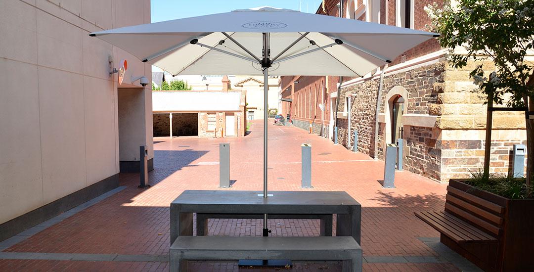 2.7M Octagon Market Umbrella