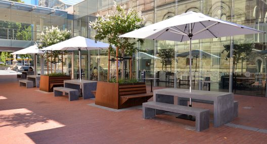 Café Market Outdoor Umbrellas